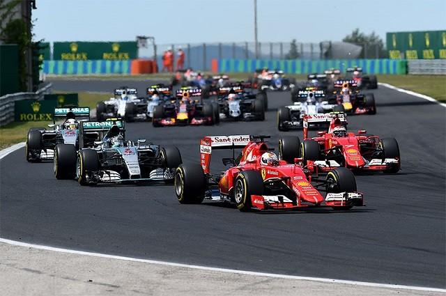 Largada sensacional dos carros da Ferrari.