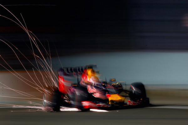 Daniel Ricciardo voltando a sorrir com uma bela corrida, ficando bem na foto de novo.