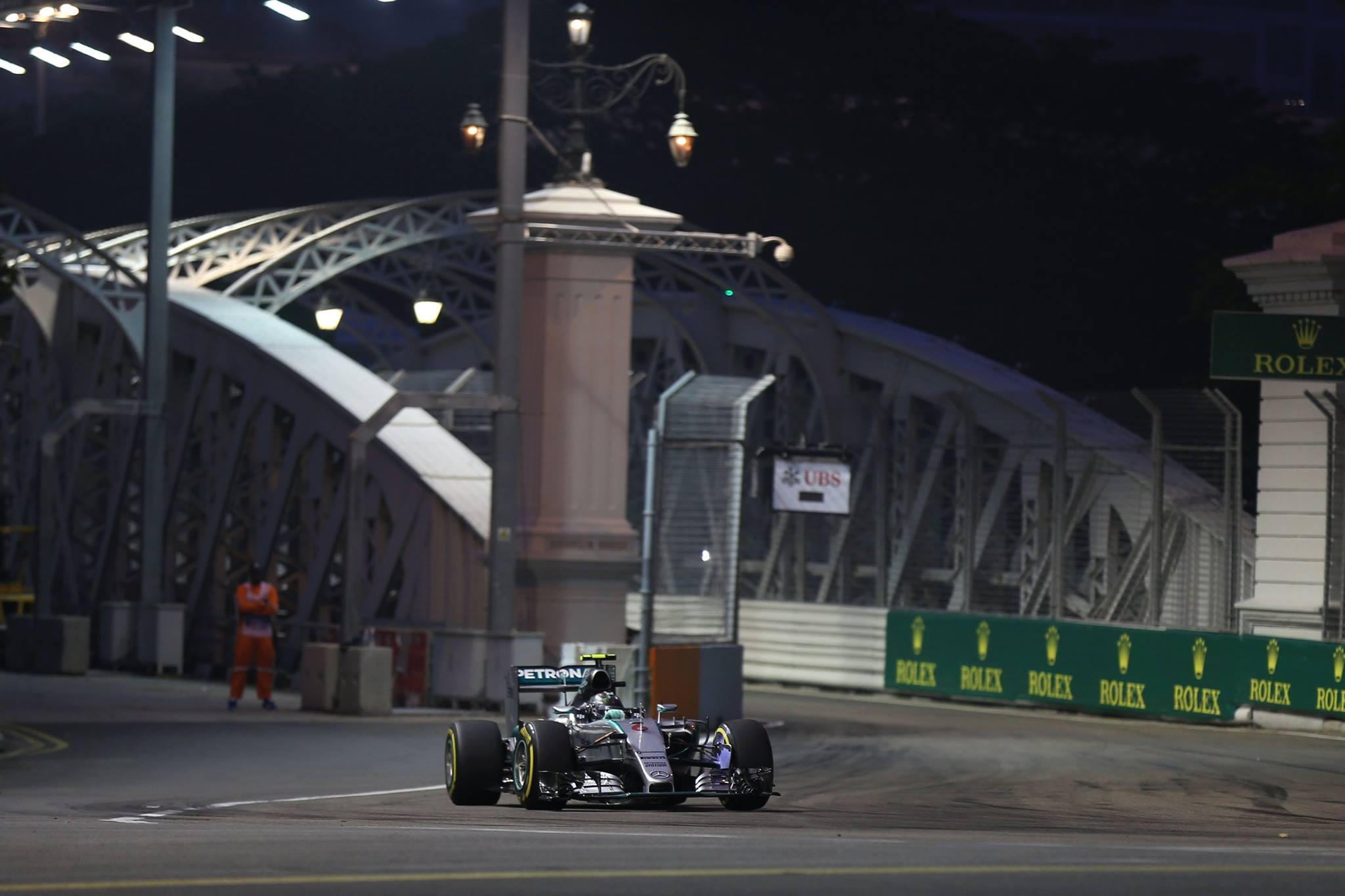 Rosberg perdeu a chance de descontar mais pontos de Hamilton.