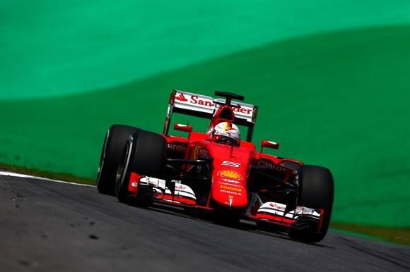 Vettel, o terceiro, de novo.