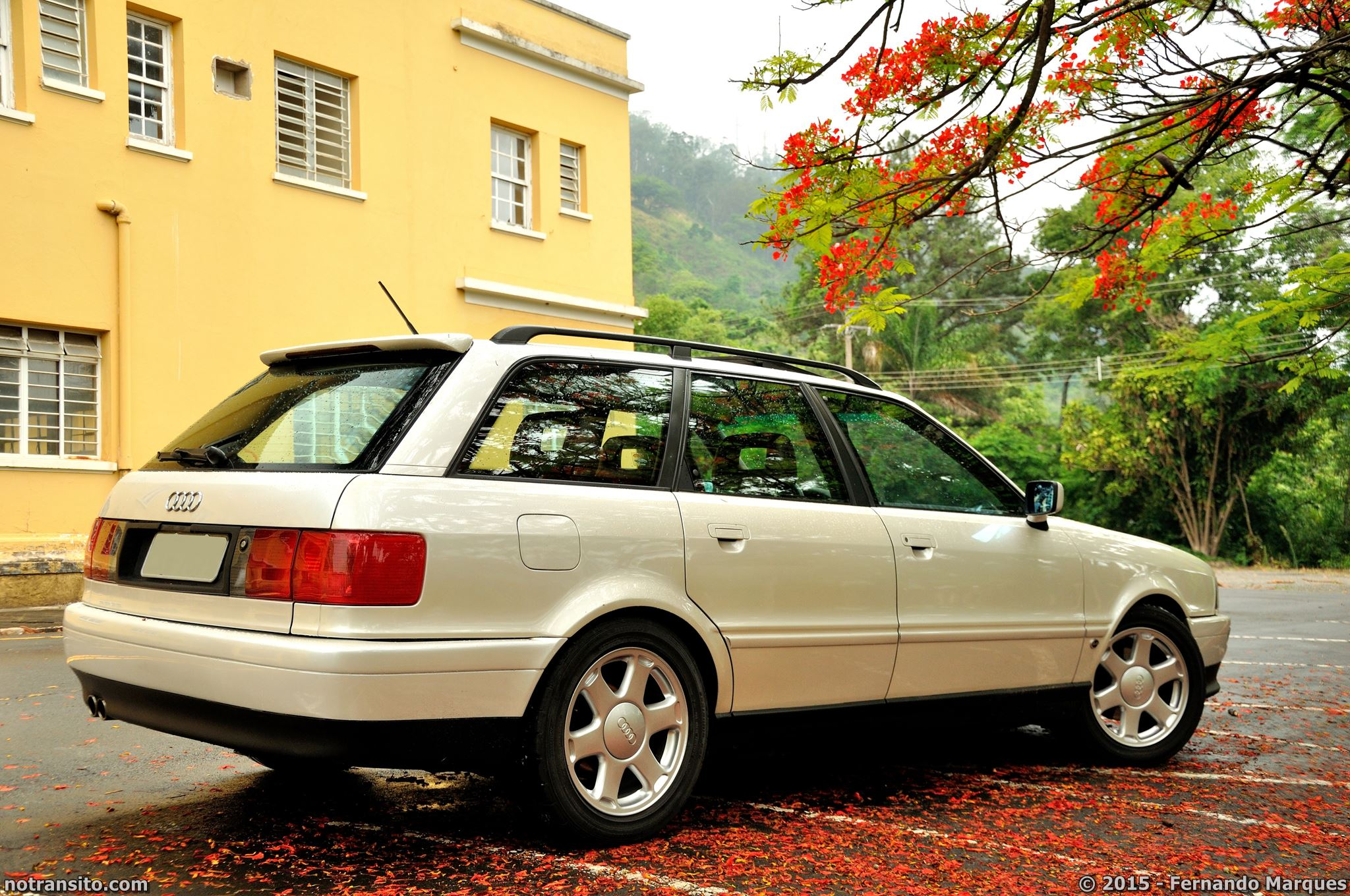 Audi 80 Avant Pearl White Metallic Tricoat, Águas de Lindóia