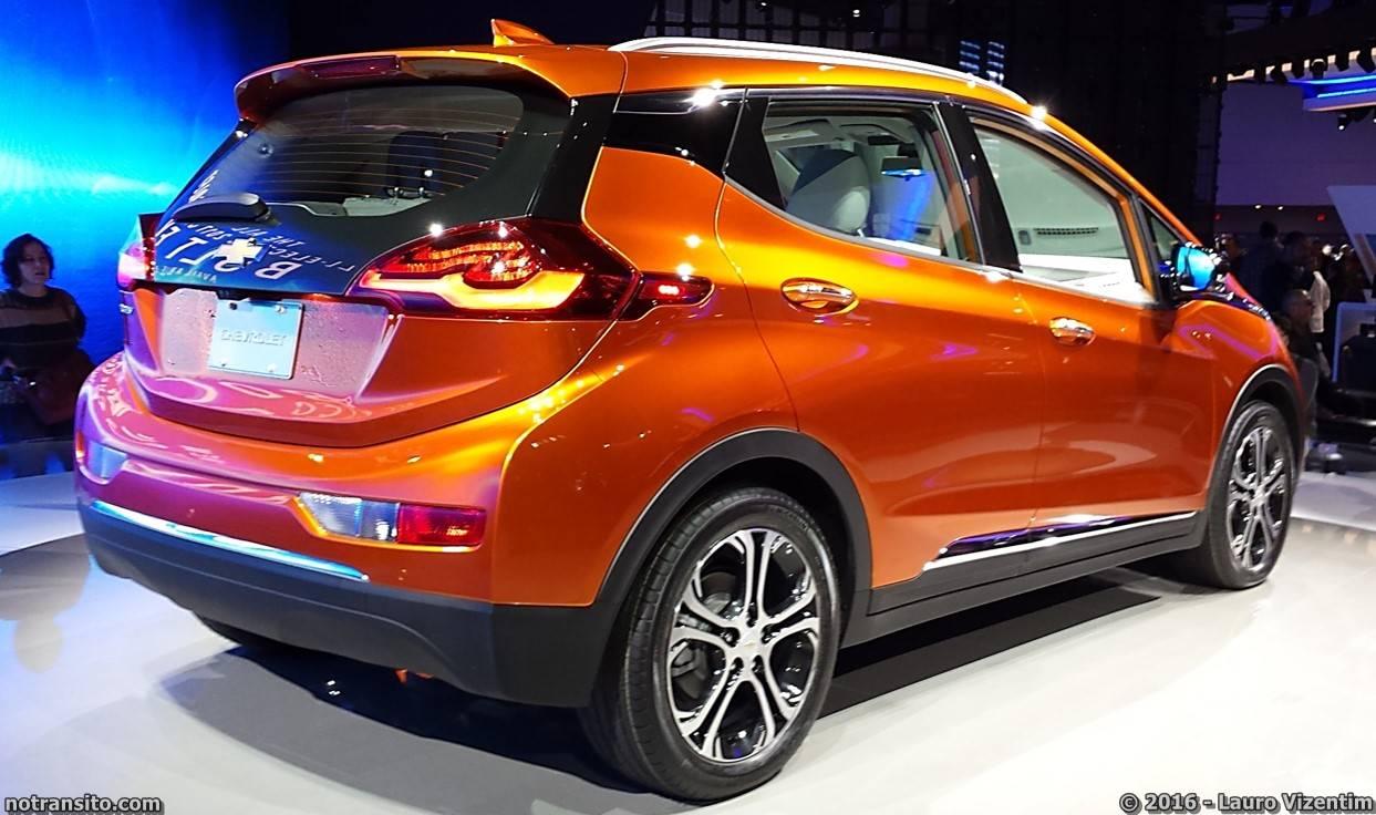 2017 Chevrolet Bolt EV Detroit Auto Show 2016