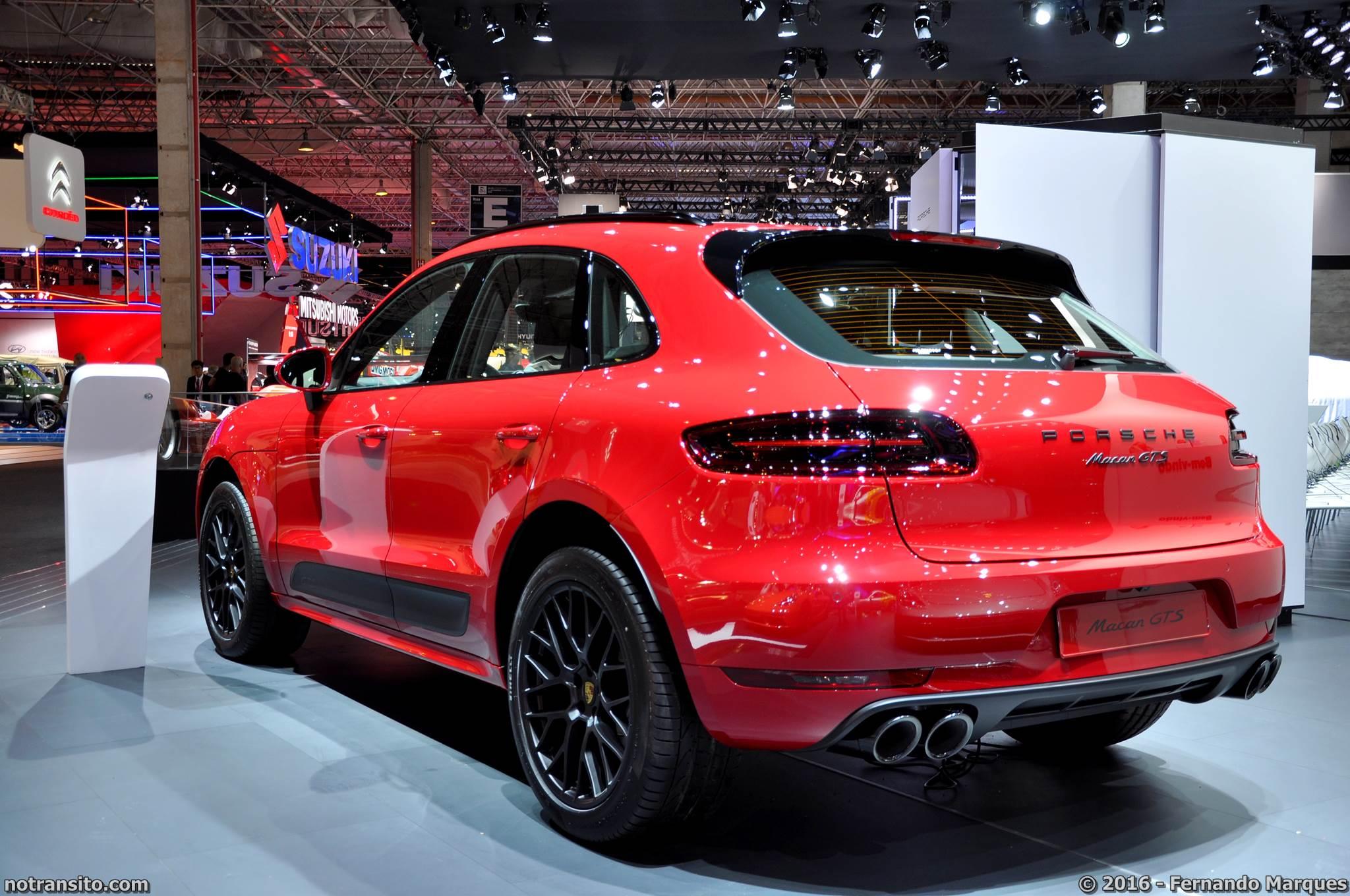 Porsche Macan GTS Carmine Red Salão do Automóvel 2016