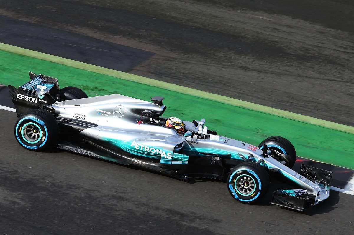 A atual campeã mundial traz um carro que não usa a tal barbatana aplicada por toda a concorrência. Quem estará certo?