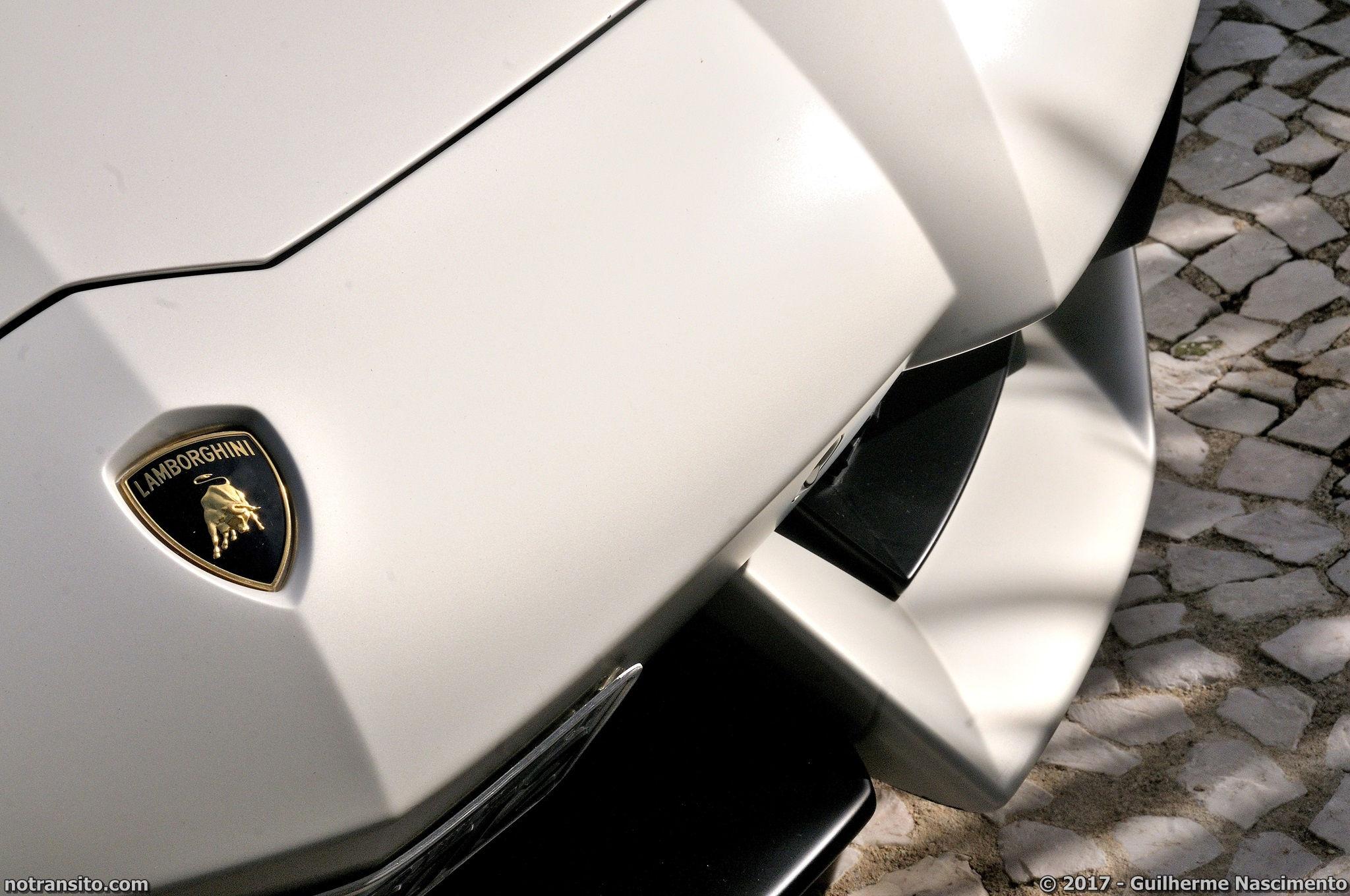 Lamborghini-Aventador-LP-700-4-McLaren-MP4-12C-009