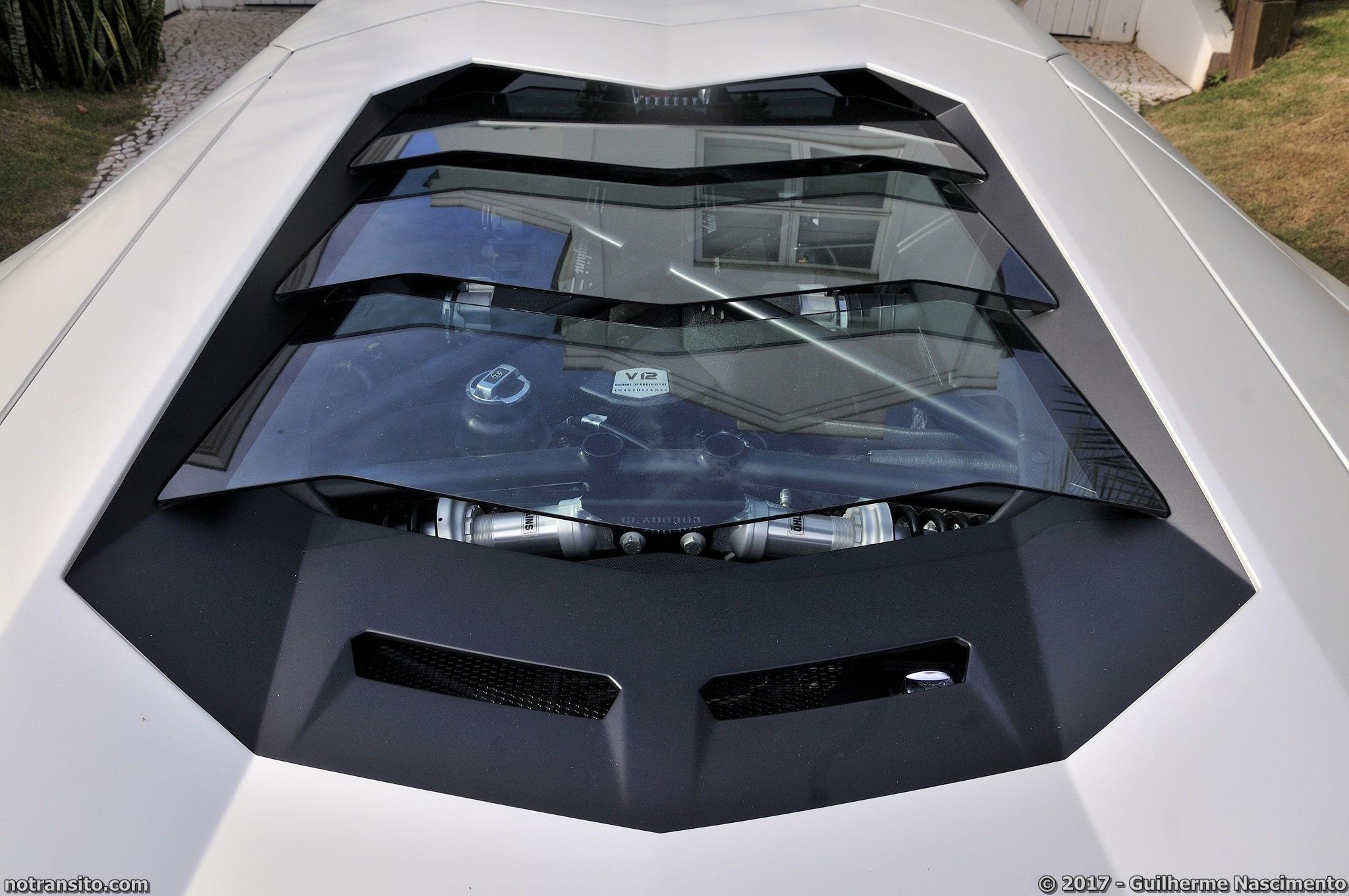 Lamborghini-Aventador-LP-700-4-McLaren-MP4-12C-011