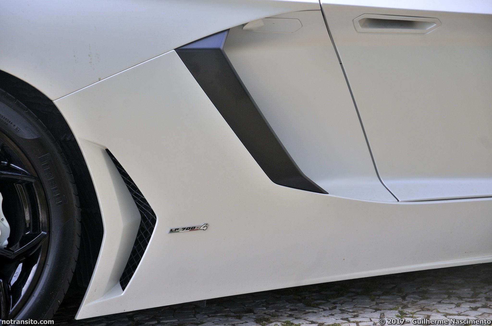 Lamborghini-Aventador-LP-700-4-McLaren-MP4-12C-020