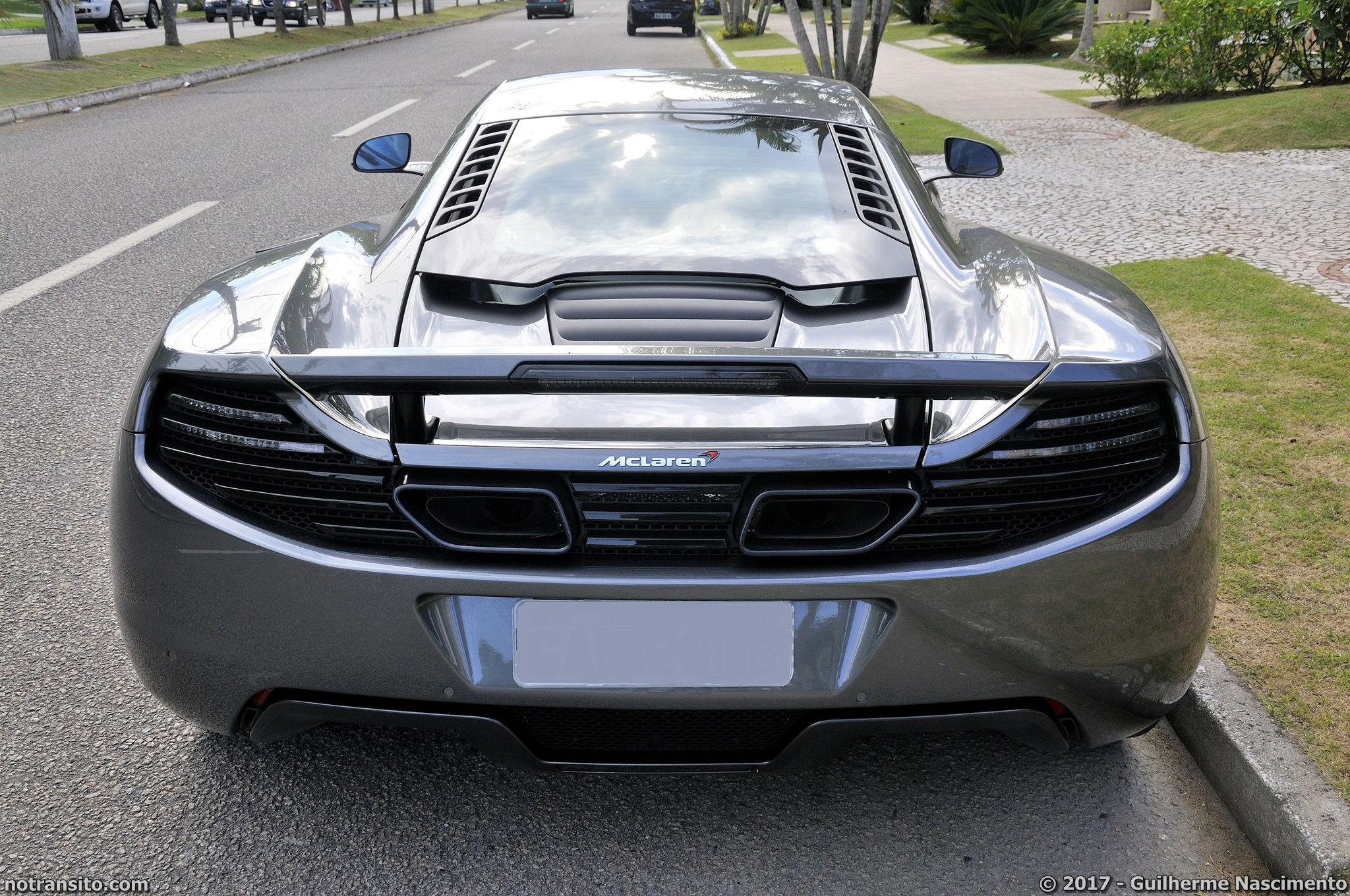 Lamborghini-Aventador-LP-700-4-McLaren-MP4-12C-025
