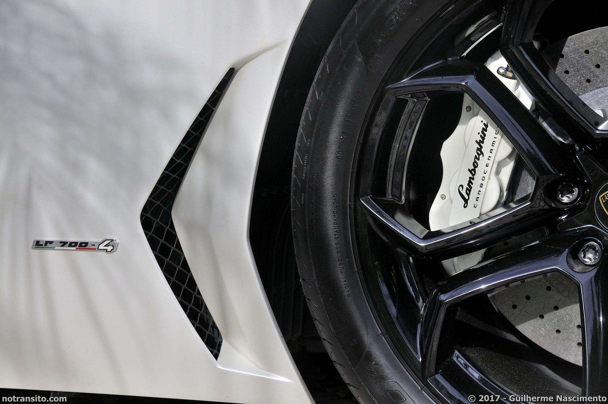 Lamborghini-Aventador-LP-700-4-McLaren-MP4-12C-027