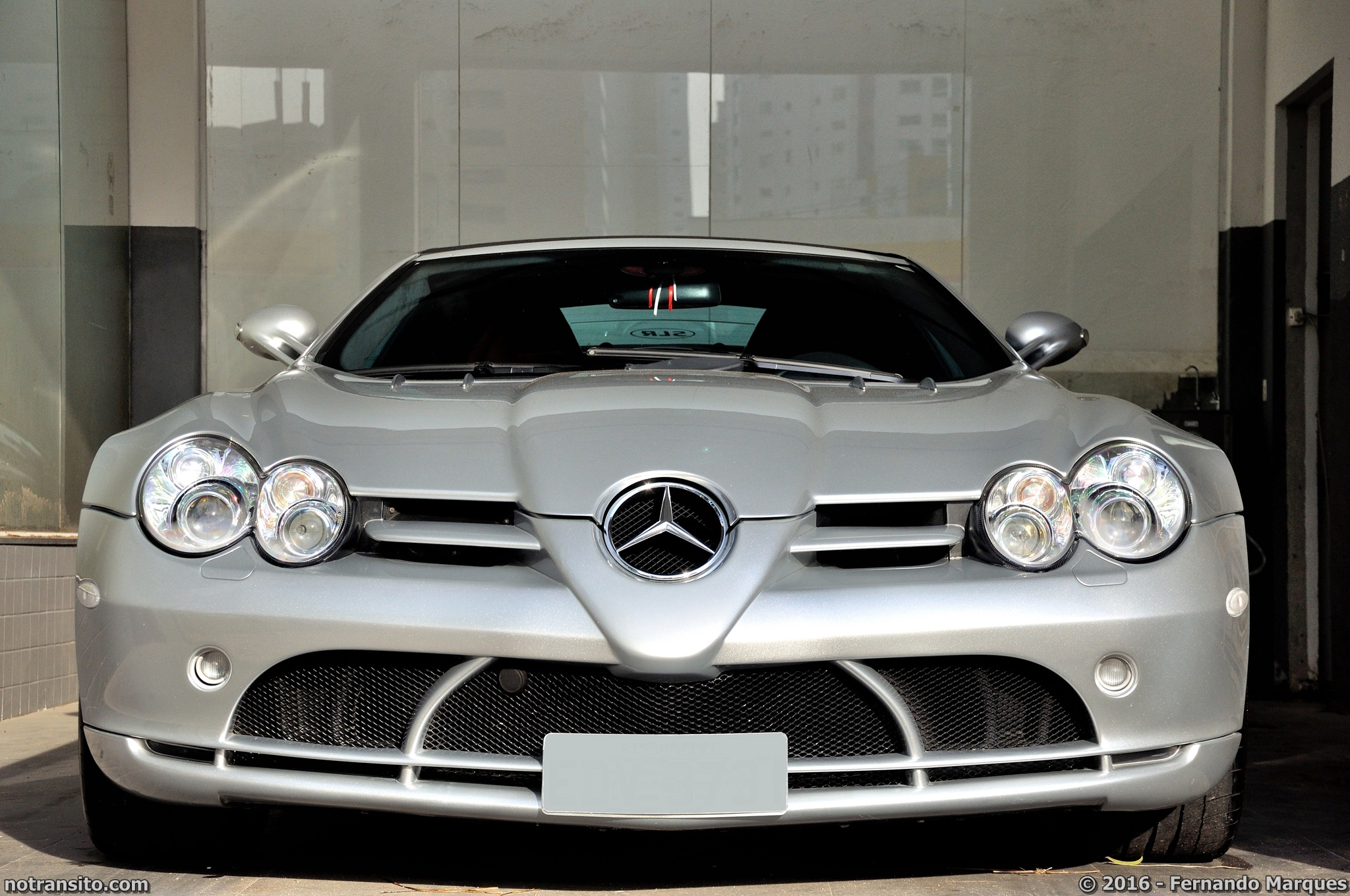 Mercedes-Benz-SLR-McLaren-Roadster-002