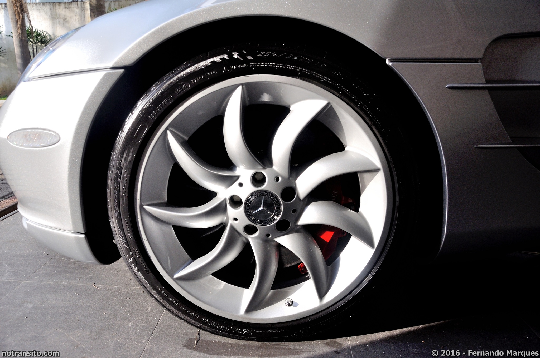 Mercedes-Benz-SLR-McLaren-Roadster-014