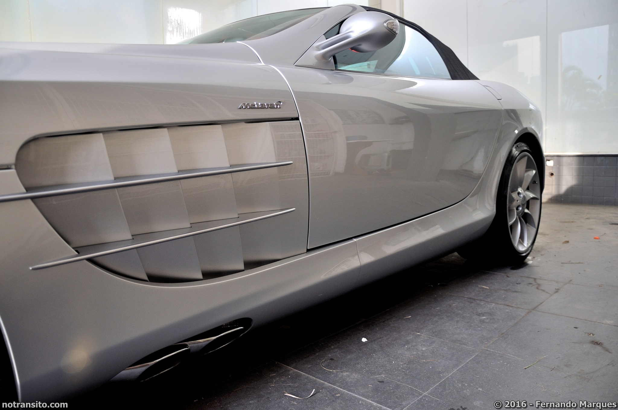 Mercedes-Benz-SLR-McLaren-Roadster-015