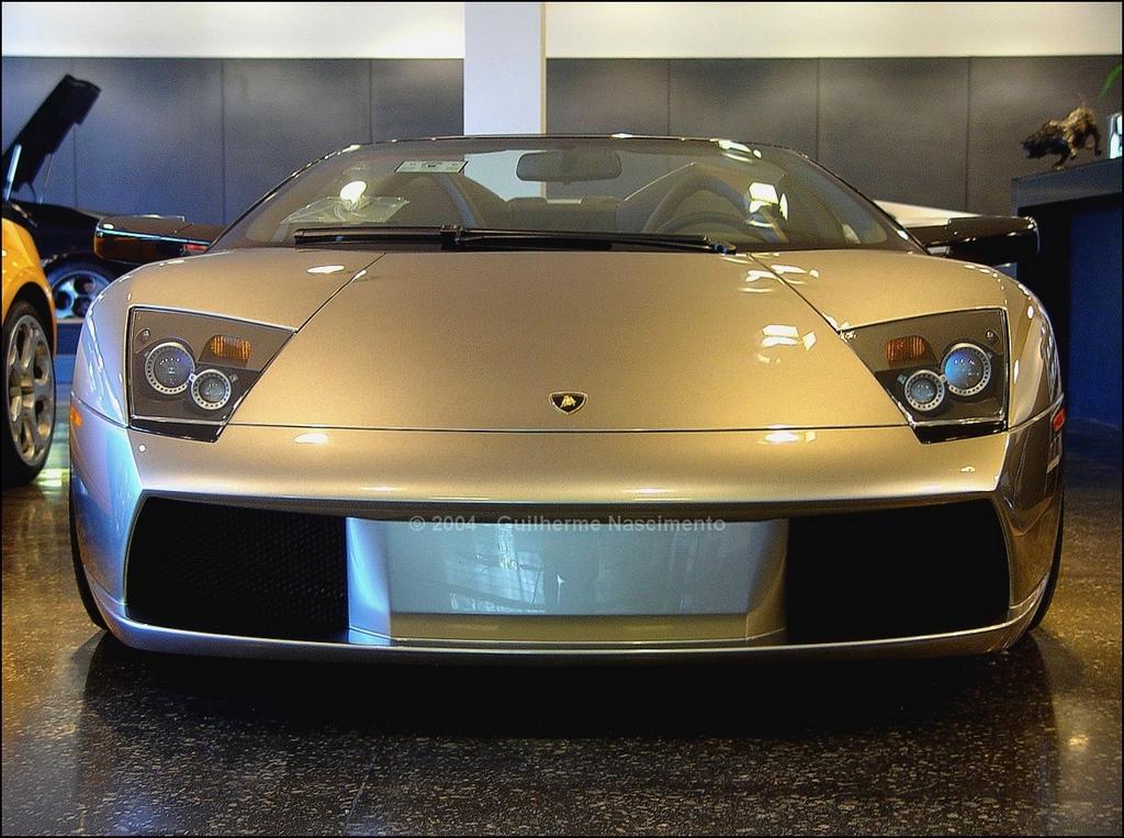 A primeira postagem do site foi com este Lamborghini Murciélago Roadster. As fotos foram feitas ainda em 2004, em Atlanta (EUA).