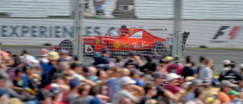 Vettel lidera o campeonato, depois de muitos anos.