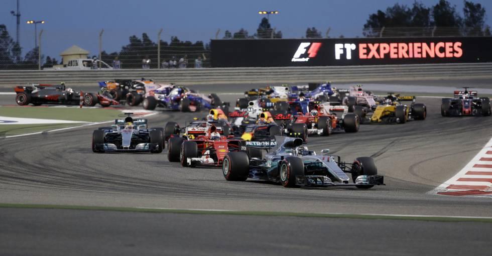 Vettel largando melhor que Hamilton.