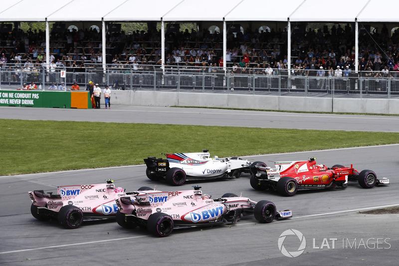 Os carros da Force India parecem amarrados, andam juntos o tempo todo,