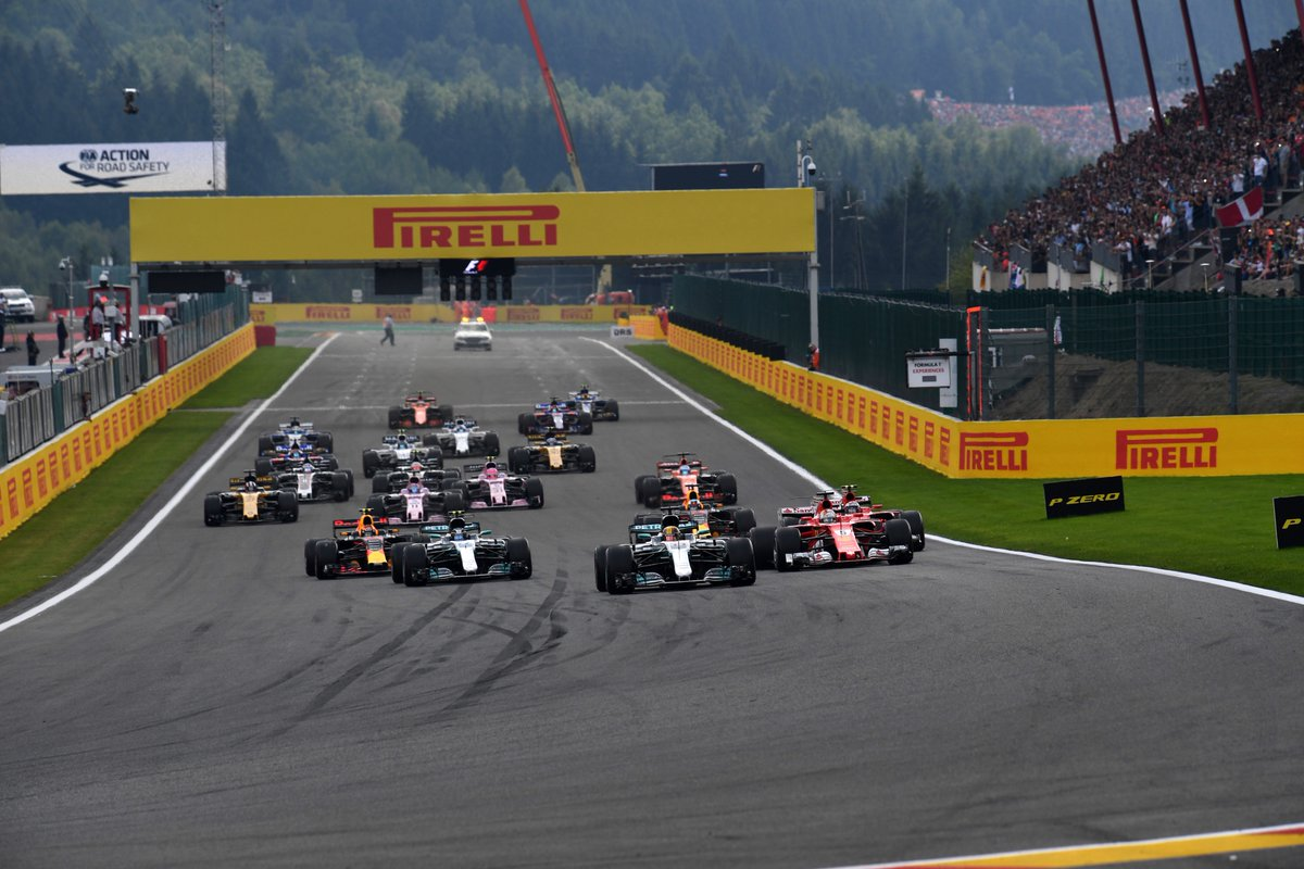 Largada limpa, com Hamilton e Vettel escapando