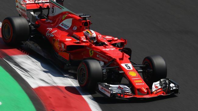 Não deu para Vettel, apesar de uma corridaça de recuperação, mas também de um toque polêmico em Hamilton.