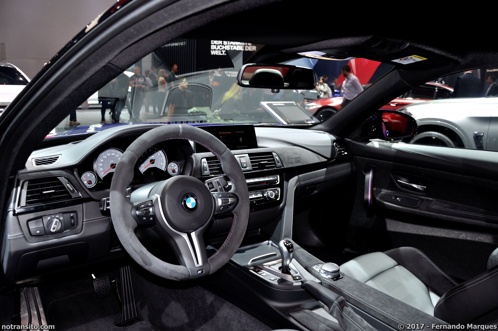 BMW-M4-CS-Frankfurt-2017-006
