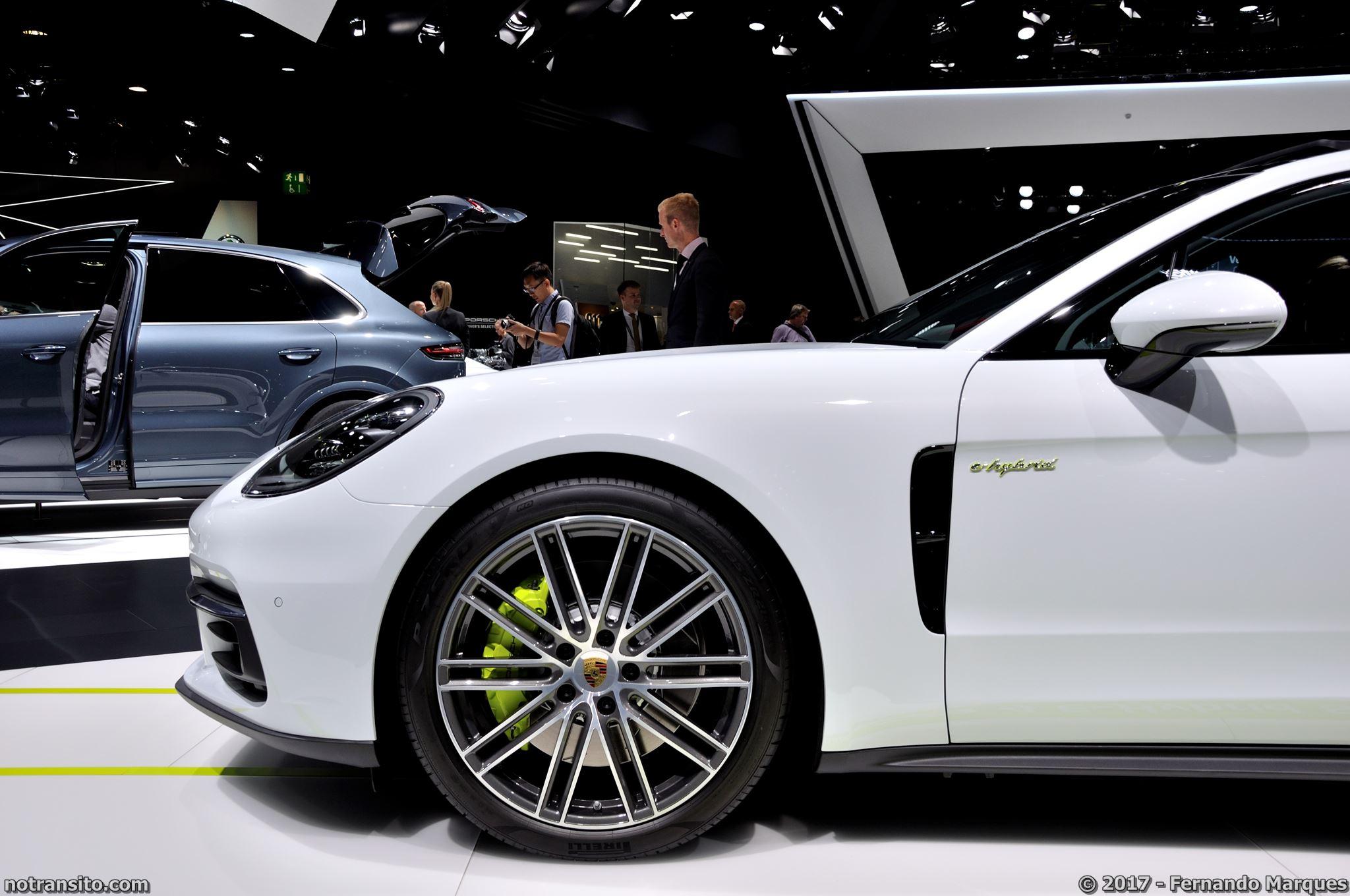 Estande-Porsche-Frankfurt-2017-005