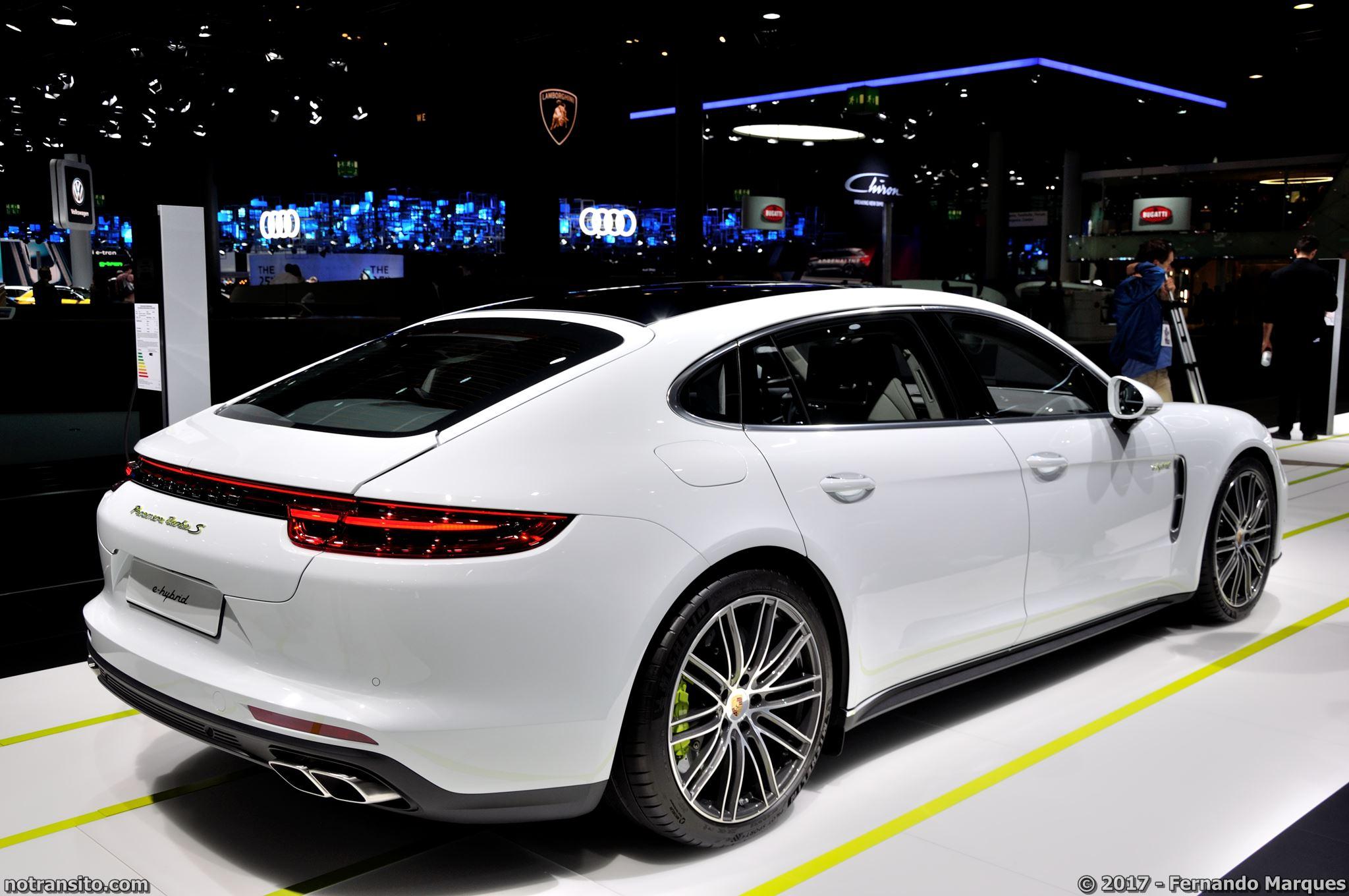 Estande-Porsche-Frankfurt-2017-006