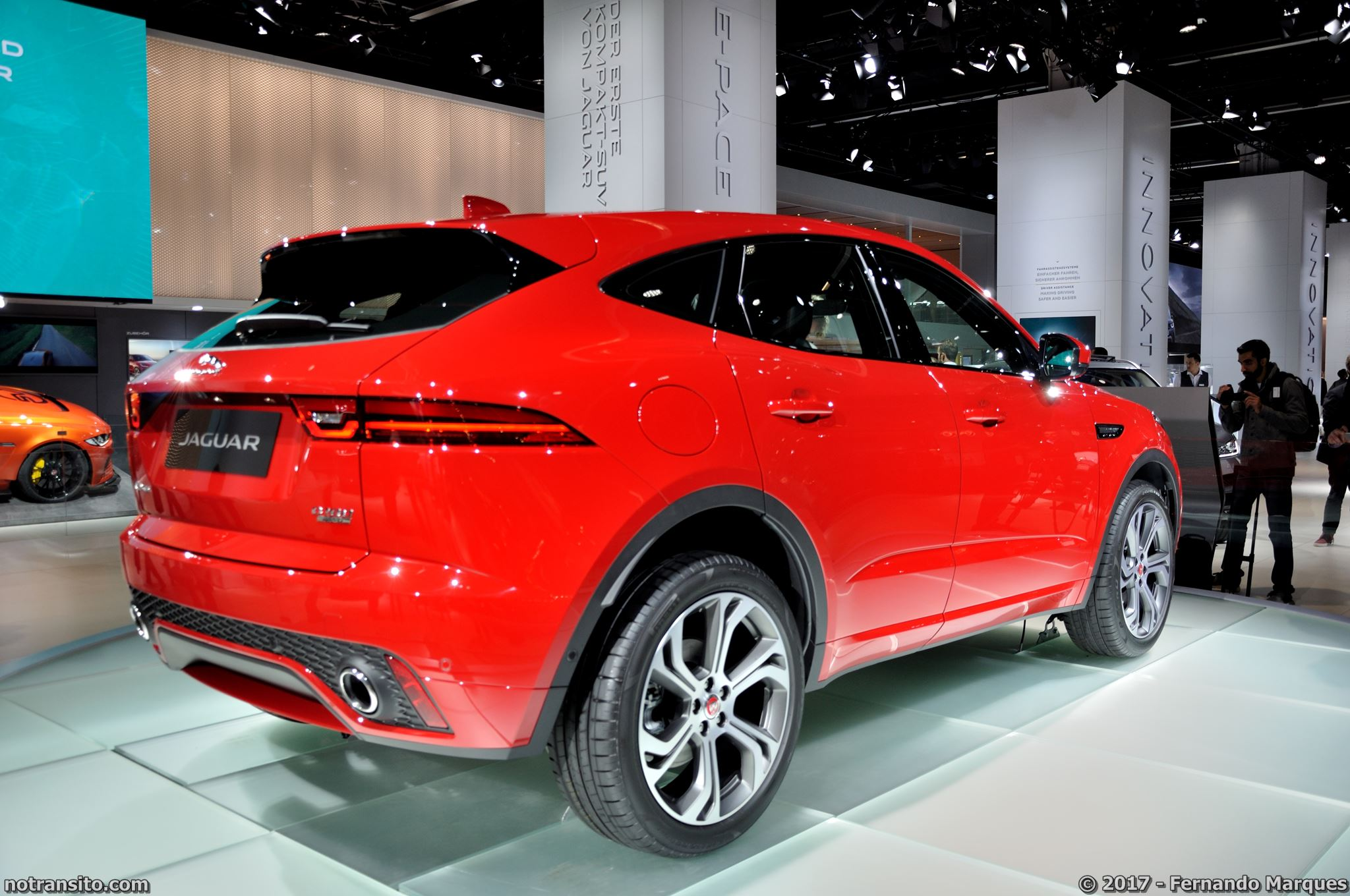 Jaguar-E-Pace-First-Edition-Frankfurt-2017-004