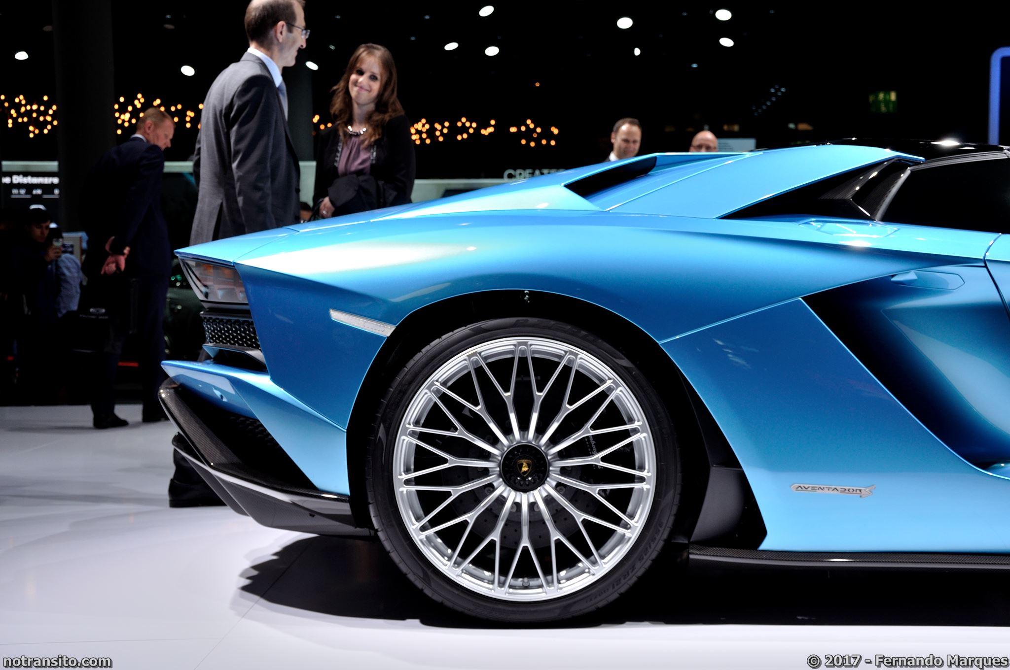 Lamborghini-Aventador-S-Roadster-Frankfurt-2017-003