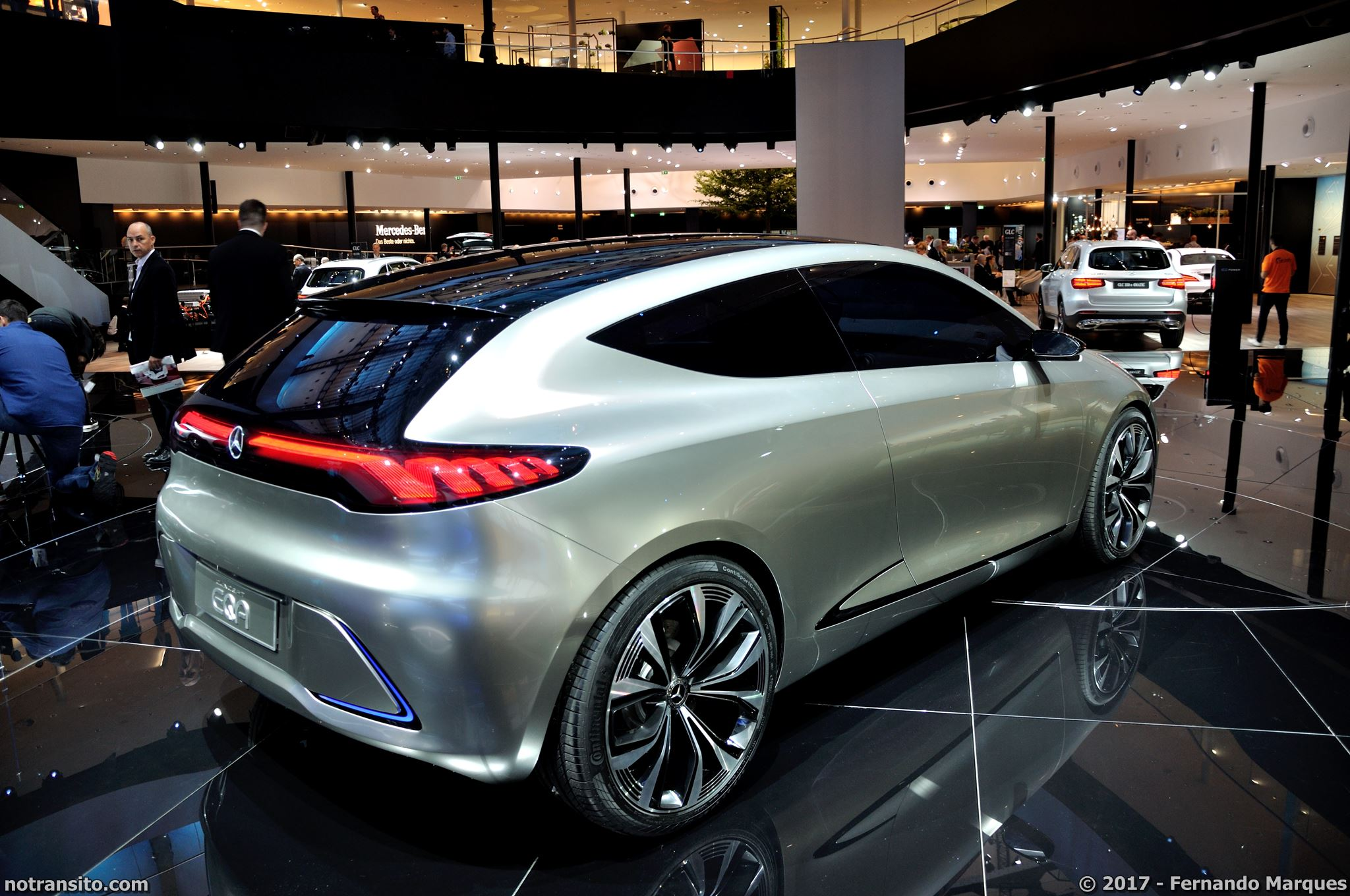 Mercedes-Concept-EQA-Frankfurt-2017-002