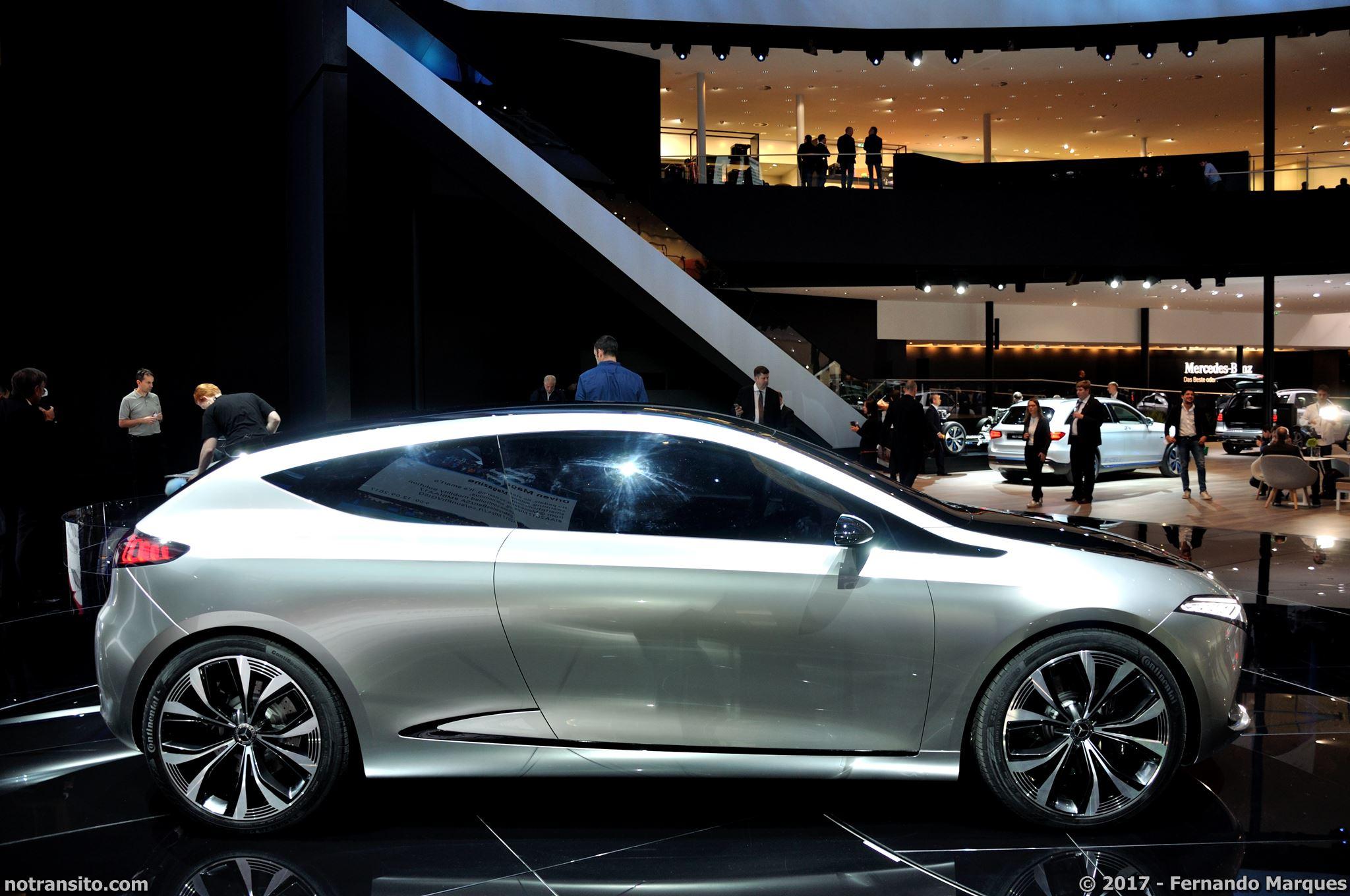 Mercedes-Concept-EQA-Frankfurt-2017-003