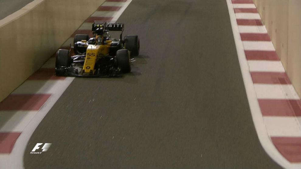 Sainz e a roda solta. Ainda bem que parou logo.