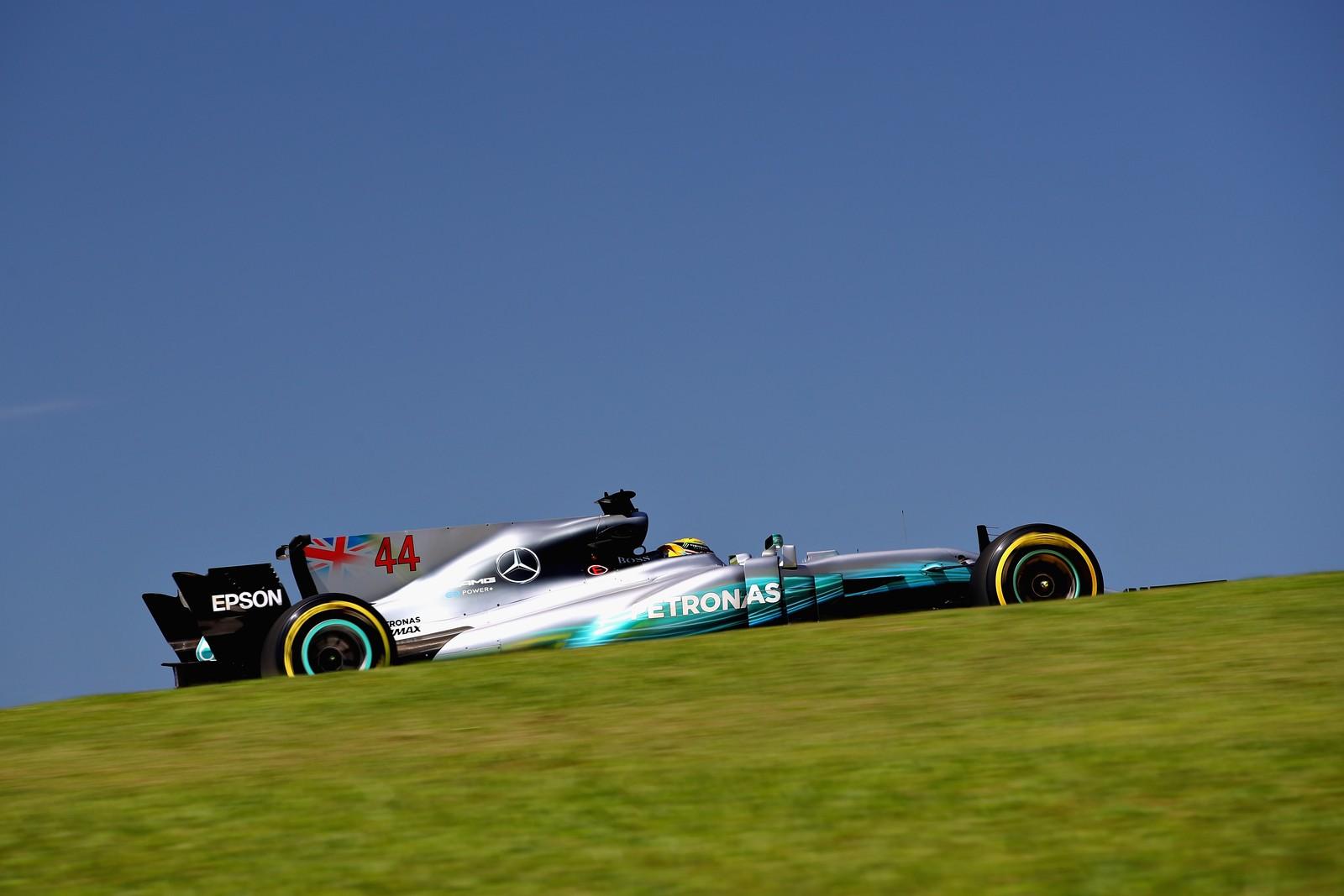 Hamilton só não fez chover hoje. O quarto lugar foi pouco perto do desempenho na pista.