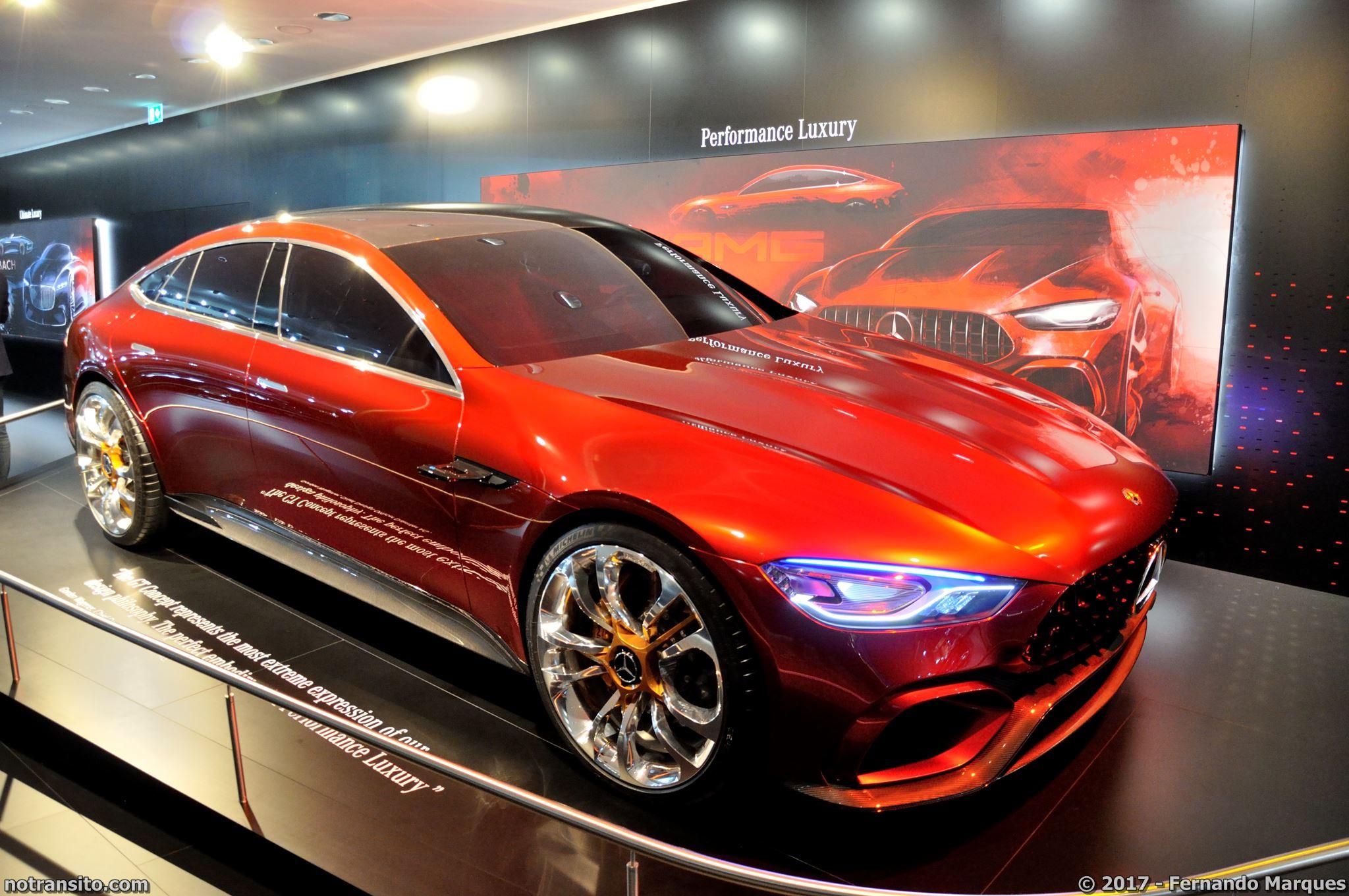 A versão conceitual AMG GT Concept foi apresentada no último Salão de Frankfurt e a versão final pode ser conferida pelo público no último Salão do Automóvel em São Paulo.